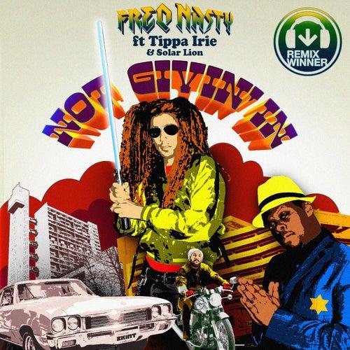 Not Givin' in (feat. Tippa Irie & Solar Lion)