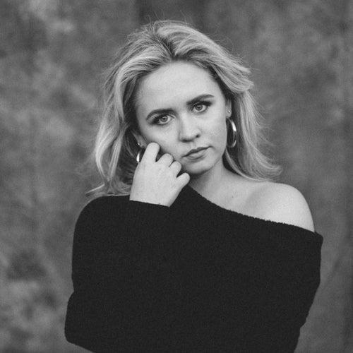 Emily Falvey Profile